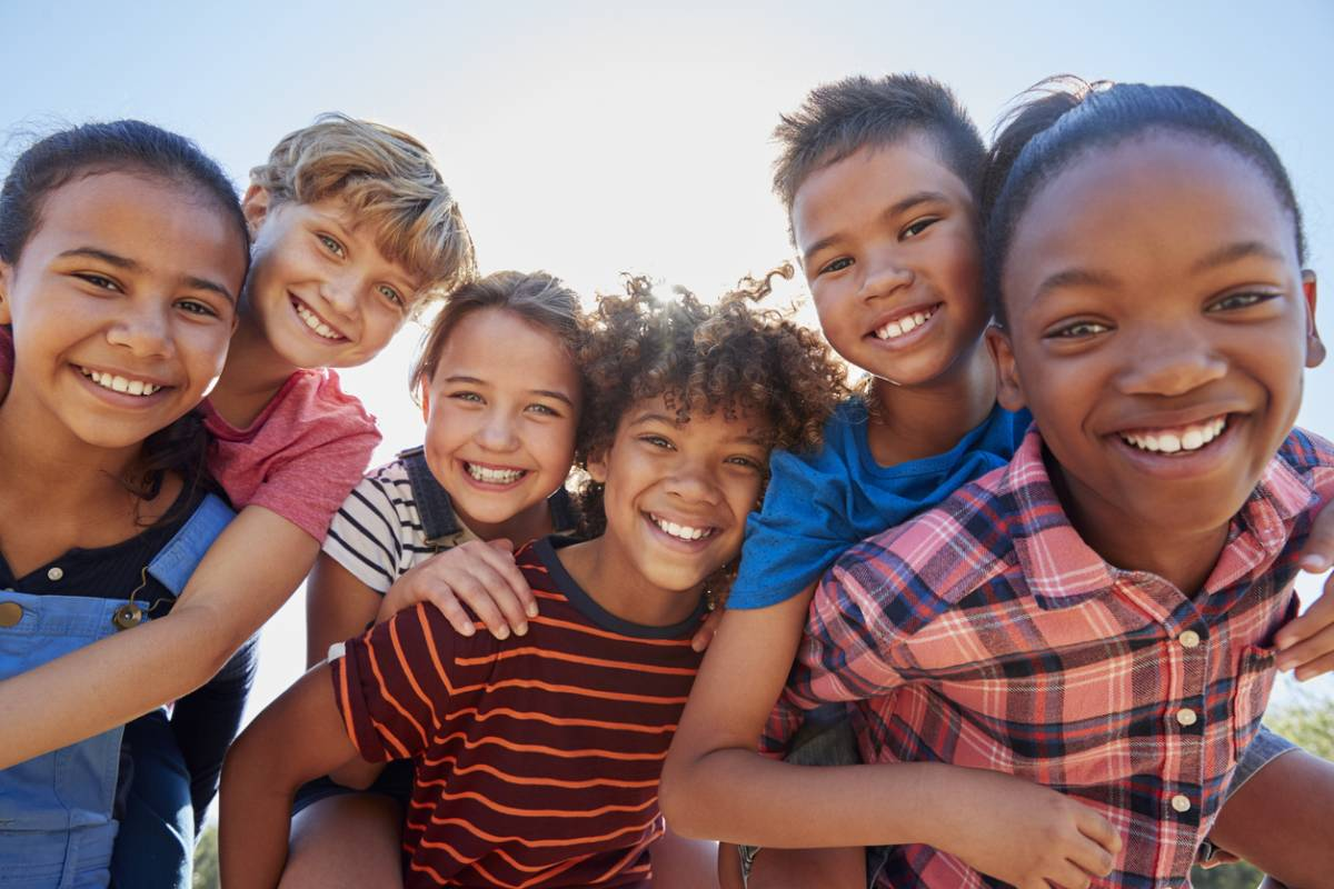 6 Kids smiling picture